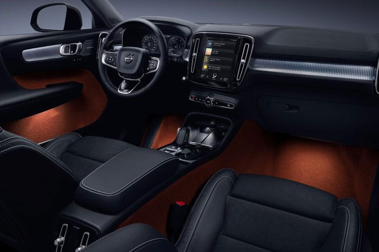 Volvo XC40 SUV AWD 2.0 T4 190PS R DESIGN 5Dr Auto [Start Stop] inside view